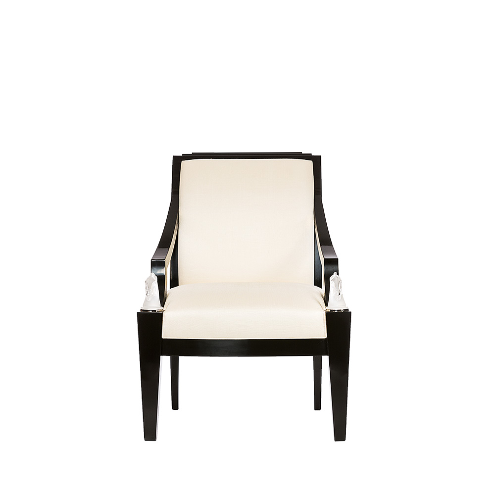 Longchamp armchair | Numbered edition, clear crystal, black lacquered and ivory silk | Armchair Lalique