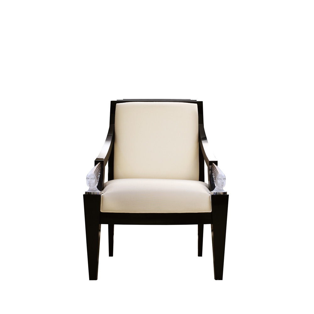 Victoire armchair | Numbered edition, clear crystal, black lacquered and ivory silk | Armchair Lalique