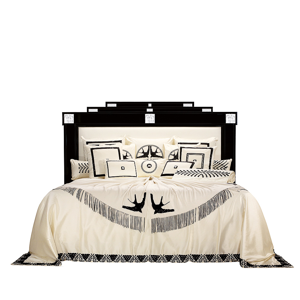 Masque de Femme bed | Numbered edition, clear crystal, ivory silk and black lacquered | Bed Lalique